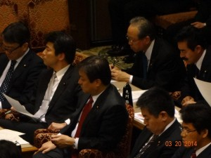 0320予算委員会 (12)
